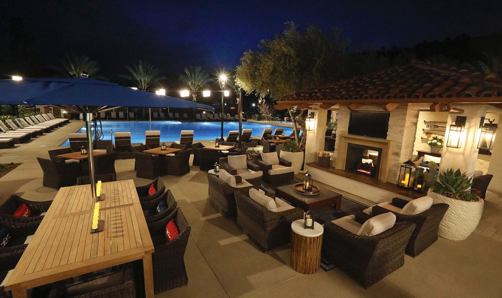 Poolside Outdoor Seating Poolside Outdoor Seating