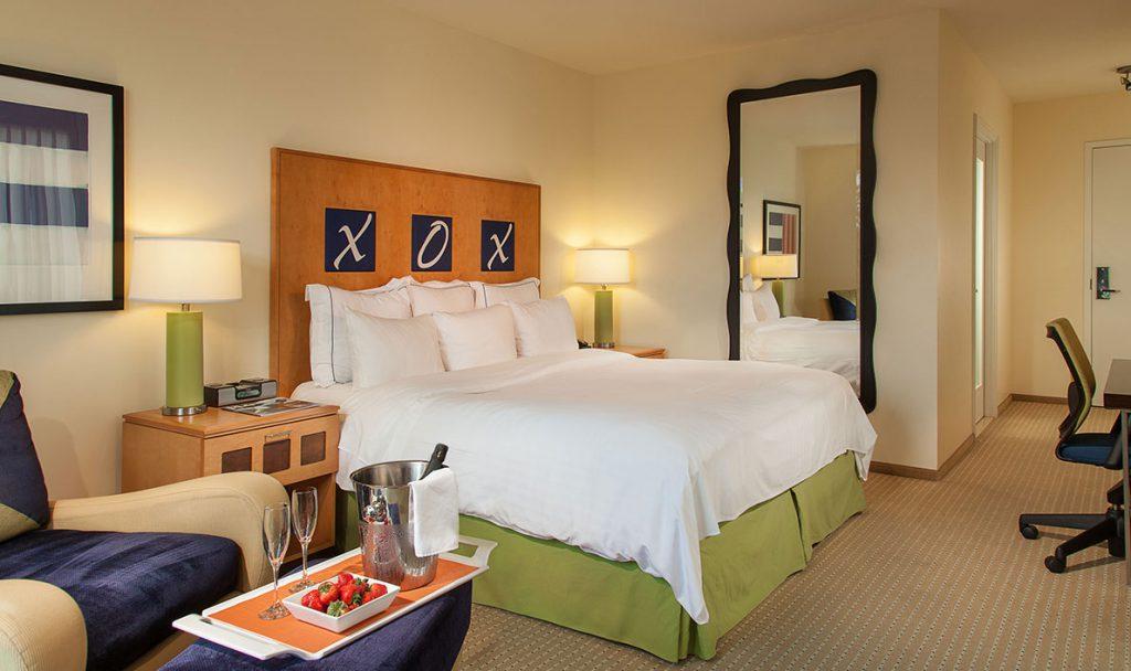 Walnut-Creek-hotel-room